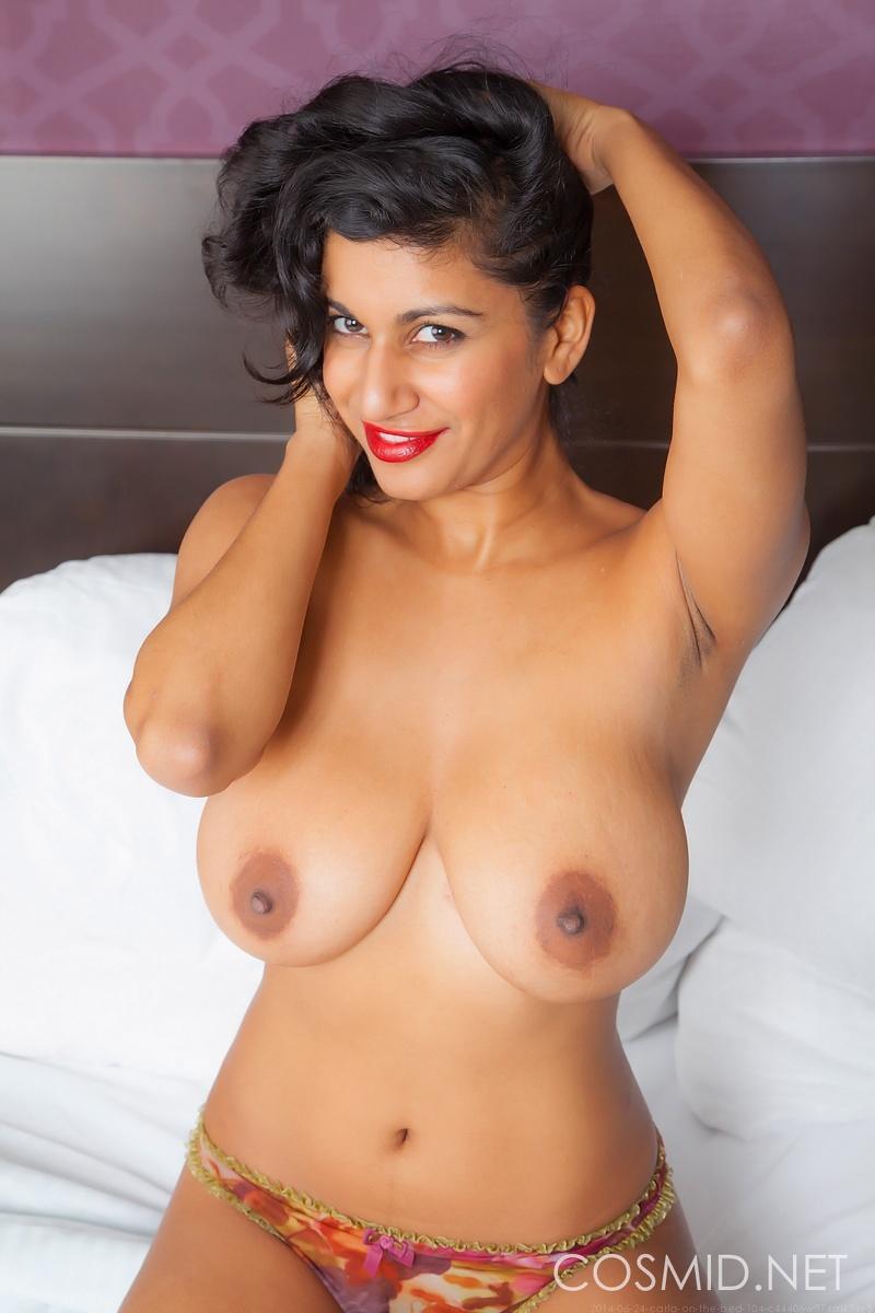 Gujarati Desi Bhabhi Aunty Sexy Nude Pussy HD Images