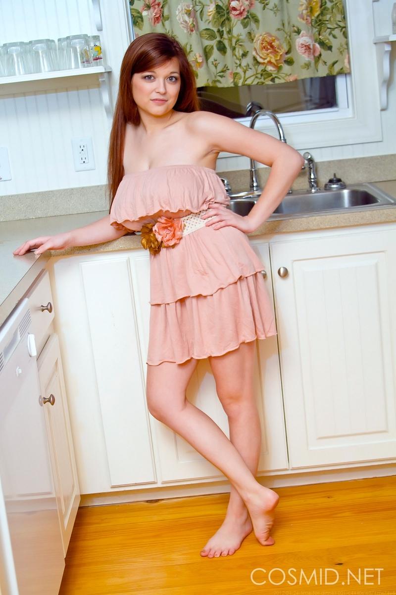 Фото рыжей девушки с большой грудью 12 фотография