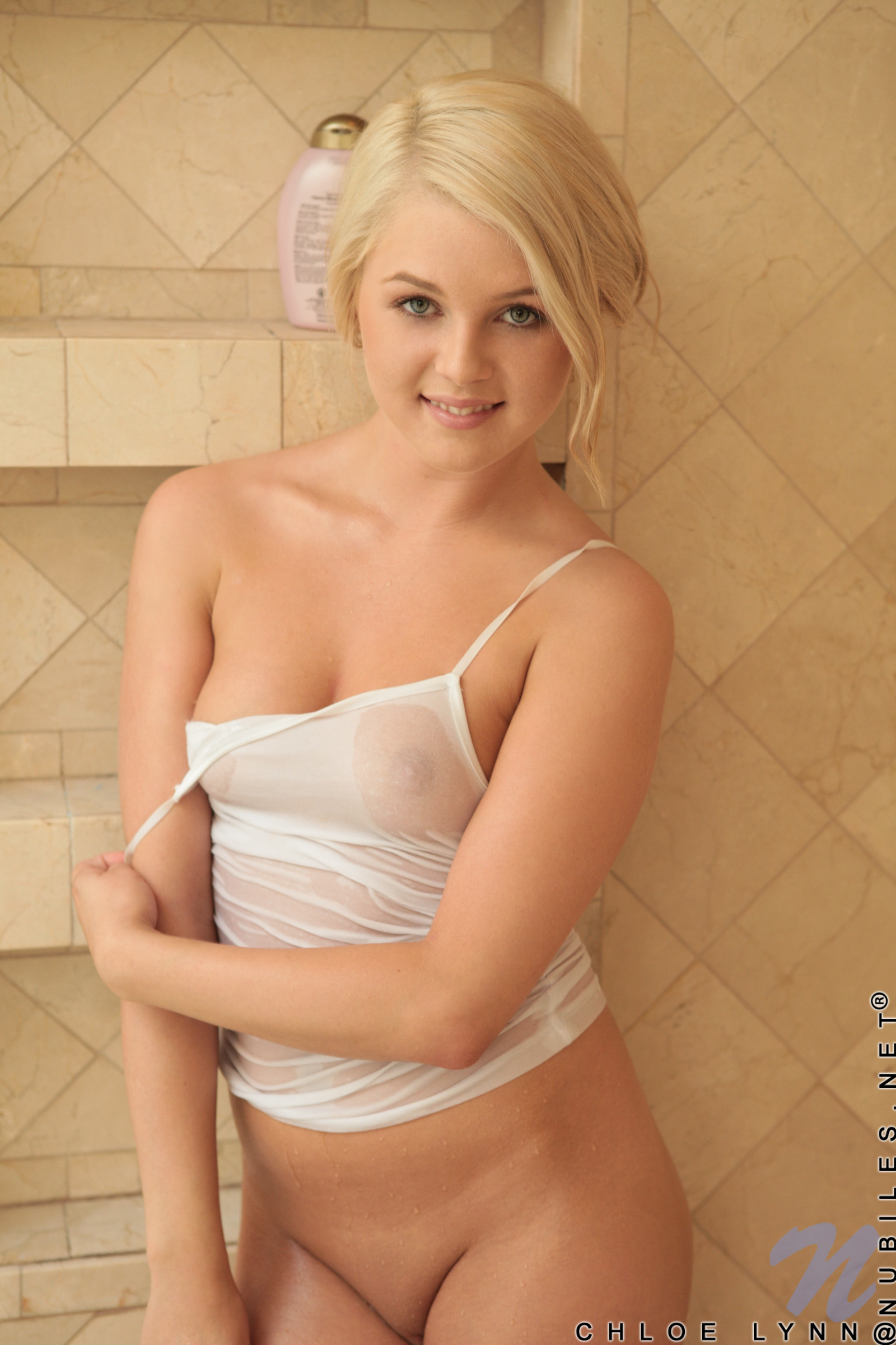 sexy naked blonde girls in the shower