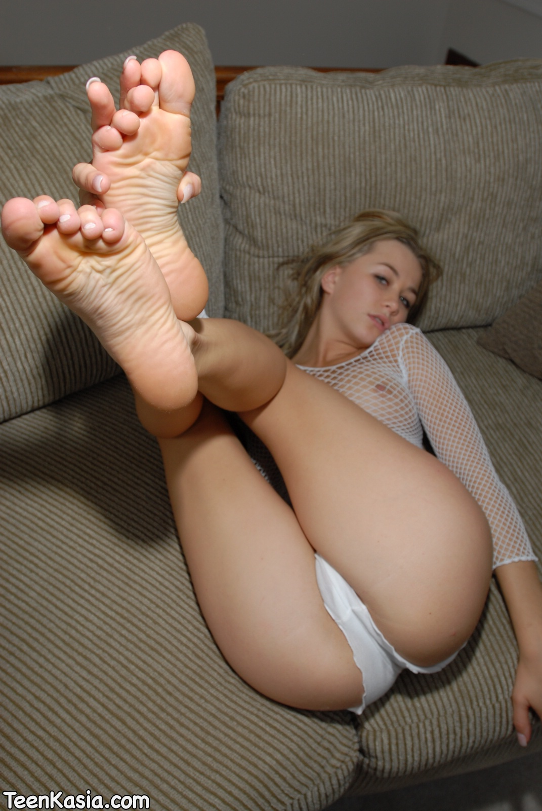 girls that are naked and sexy feet