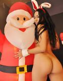 Cindy cupcakes teases santa