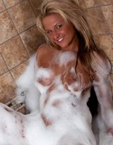 Cherry zips pics kendra bubble bath