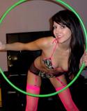 Andi land hula hoop