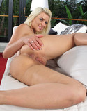 In the crack anikka albrite hungry pussy