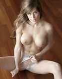 Femme fetish pantyhose rip